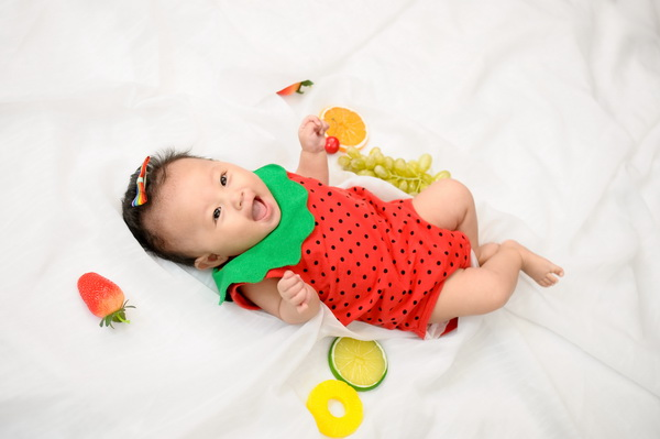 草莓女宝宝