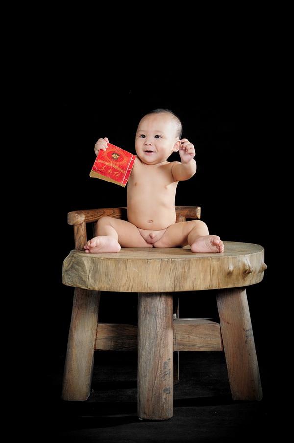小宝8个月靓照